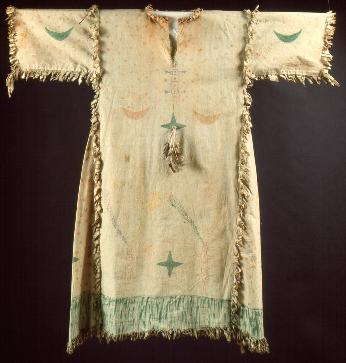 Geistertanzgewand, Lakota oder Blackfoot, Plains, USA, um 1900 Baumwolle, Federn RJM, 49690 Tausch Stolper Galleries, Amsterdam 1967 © RJM, Foto/photo: Rheinisches Bildarchiv Köln