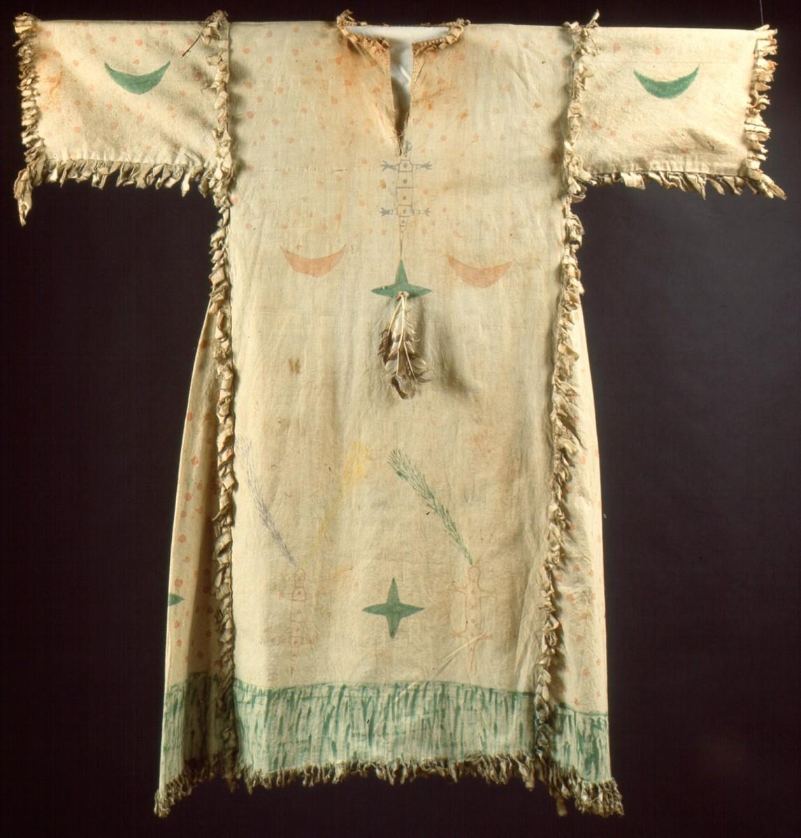 Geistertanzgewand, Lakota oder Blackfoot, Plains, USA, um 1900 Baumwolle, Federn RJM, 49690 Tausch Stolper Galleries, Amsterdam 1967 © RJM, Foto/photo: Rheinisches Bildarchiv Köln